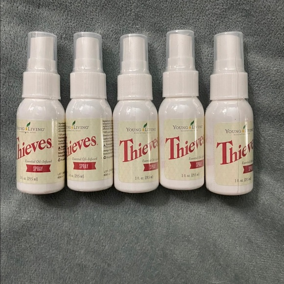 Thieves spray 1 ounce- set of 5!